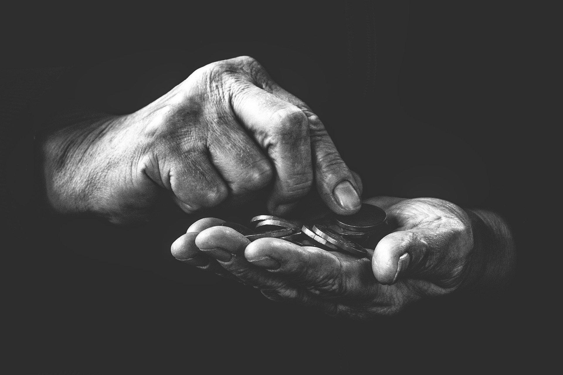 poverty-4561704_1920