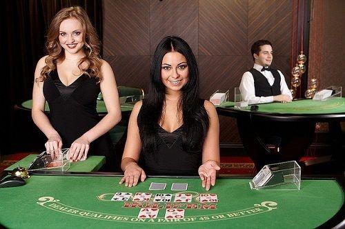 ランドカジノはディーラー2人体制